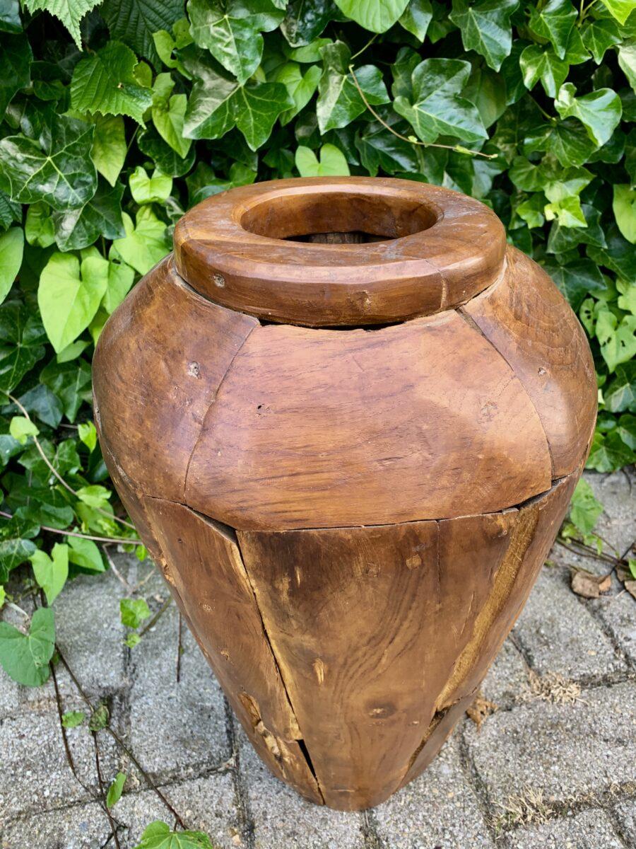 Potten van drijfhout