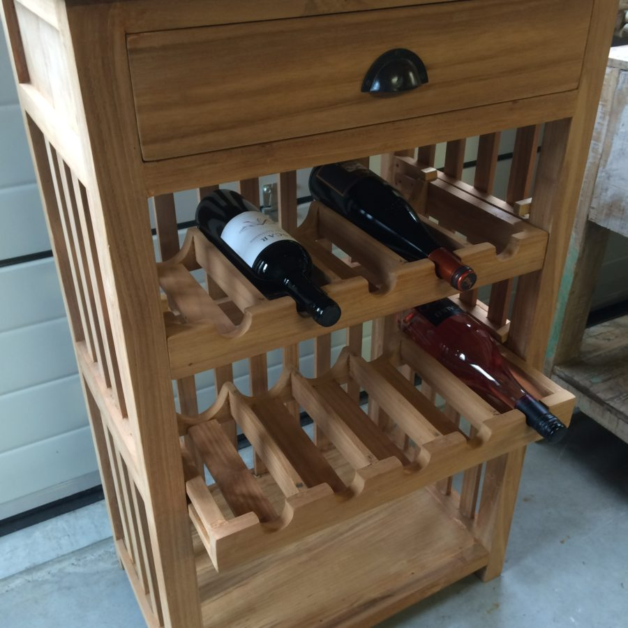 Kastje met wijnrek teakhout